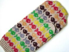 Just as promised, here is the Swedish Fish mitten pattern ( Ravelry link ), ready to swim home with you. Why not spice up your holiday knit. Swedish Fish, Knit Mittens, Spice Things Up, Knit Crochet, Knits, Knitting, Creative, Pattern, Crafts