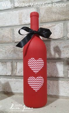 Wine Bottle Valentine Decor - Fun, easy, DIY wine bottle craft.  Make this for a gift or for your own home.   #winebottlecrafts #diyValentinecrafts #vinoplease #makewinediy