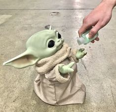 //I can't wait for my baby yoda to be delivered! Star Trek, Star Wars Love, Star Wars Baby, Yoda Funny, Yoda Meme, Disney Wallpaper, Cool Wallpaper, Screen Wallpaper, Iphone Wallpaper