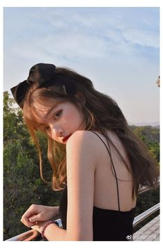 Korean Beauty Girls, Pretty Korean Girls, Cute Korean Girl, Girl Photo Poses, Girl Photography Poses, Girl Photos, Cute Girl Poses, Mode Ulzzang, Ulzzang Korean Girl