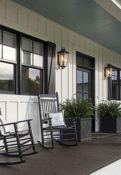 Beautiful Farmhouse Front Porch Decor Ideas (7)