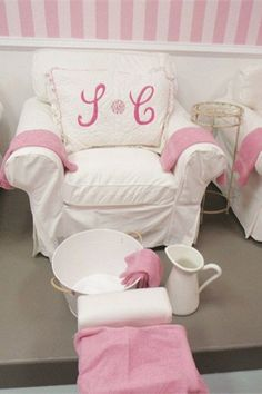 Shabby Chic theme, love the embroidered pillow. (Savvy Chic Nail Cottage)
