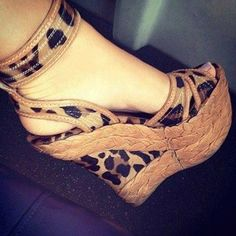 Leopard print wedge, awesome shoes I love them