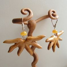 Earrings 367 Hand carved wooden earrings with natural baltic amber
