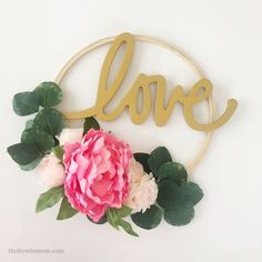 Love Hoop Wreath DIY - Easy and modern Valentines Day decor craft! Valentine Day Wreaths, Valentine Day Crafts, Valentine Decorations, Boxwood Wreath Diy, Diy Wreath, Tulip Wreath, Floral Wreath, Diy Arts And Crafts, Decor Crafts