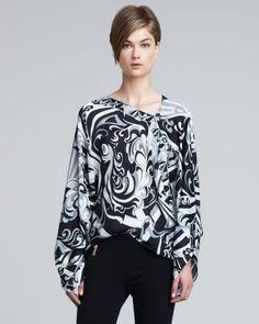 http://docchiro.com/emilio-pucci-printed-longsleeve-poncho-black-white-p-1206.html