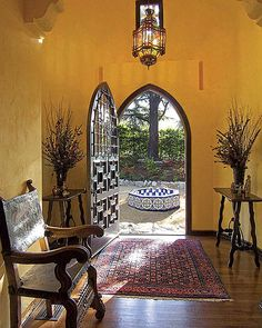 Spanish Revival Home, Spanish Colonial Homes, Spanish Style Homes, Spanish Hacienda Homes, Mexican Style Homes, Colonial Art, Style At Home, Spanish Style Decor, Spanish Design