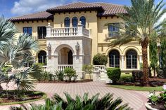 Exterior of luxury home in Windermere, Florida