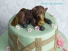 A sugar horse - perfect topper for a little girl's birthday cake