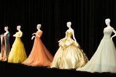 Soda Geek   Vestidos inspirados em princesas da Disney vão a leilãohttp://sodageek.com.br/vestidos-inspirados-em-princesas-da-disney-vao-a-leilao/