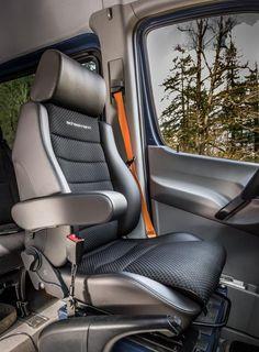 scheel-mann Touring F seat in a Mercedes-Benz Sprinter Sprinter Van Conversion, Camper Van Conversion Diy, Volkswagen Routan, Vw Gol, Jeep Wrangler Accessories, Jeep Camping, Benz Sprinter, Mercedes Sprinter, Cargo Van