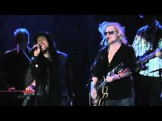 ONE ON ONE - LIVE - Hall & Oates with Maxi Priest.mp4 - YouTube