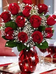Find the best value on Valentine's Day flowers this season. From Valentine's roses to lily bouquets, send the best Valentine's Day flower delivery. Rosen Arrangements, Floral Arrangements, Flowers For Everyone, Dozen Red Roses, 12 Roses, Birthday Roses, Birthday Gifs, Happy Birthday, Red Rose Bouquet