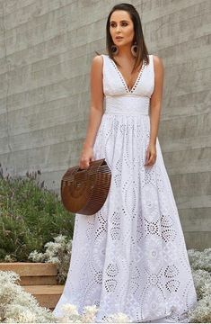 White Outfits, Dress Outfits, Fashion Dresses, Modest Dresses, Pretty Dresses, Summer Dresses, Dress Skirt, Dress Up, Classy And Fabulous