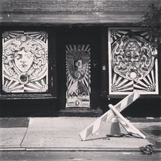 The yin and yang of Medusa #newyork #newyorkcity #graffiti #streetart