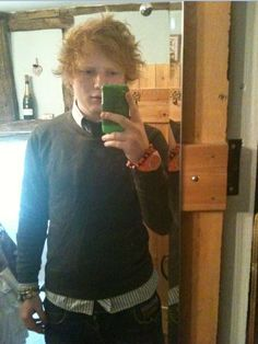 ed sheeran selfie. My life is so complete right now! Ed Sheeran Plus, Ed Sheeran Love, Divide Ed Sheeran, Give Me Love, Edward Christopher Sheeran, The Wombats, Everything Has Change, Secret Love, Album