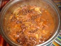 Czarna fasola w aromatycznym sosie w stylu indyjskim (dieta wegańska)