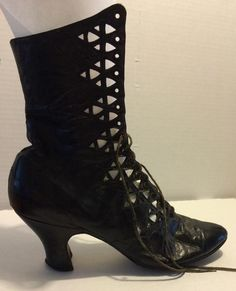 VINTAGE 1890's Ladies Black High Top Ornate Lace Up Victorian Shoes Boots  4 1/2
