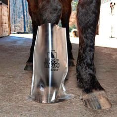 Hoof Wraps Brand Soaker Sacks for Horses Hoof Wraps - Medicator Therapy Boots Horse Care Tips, Horse Grooming, All About Horses, Horse Training, Training Tips, Horseback Riding, Pet Care, Equestrian, Sacks