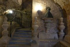 Escalera de acceso a la iglesia de la Ermita de San Saturio, Soria
