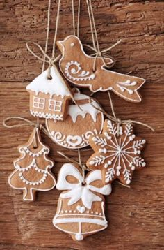 christmas gingerbread ornament designs to make in fabric , felt , cork or even dare I say gingerbread folk inspired christmas craft Homemade gingerbread ornaments. Noel Christmas, Winter Christmas, Christmas Cookies, Christmas Crafts, Christmas Biscuits, Homemade Christmas, Snow Cookies, Tree Cookies, Christmas Countdown