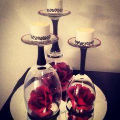 Wedding Table Centerpieces Romantic red, black and white centerpiece. Black And White Centerpieces, Purple Wedding Centerpieces, Purple Wedding Flowers, Candle Centerpieces, Diy Wedding Decorations, Wedding Ideas, Trendy Wedding, Simple Centerpieces, Diy Flowers
