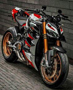 Moto Ducati, Supersport, Street Fighter, Sport Bikes, Cars And Motorcycles, Biker, Vehicles, Beauty, Instagram