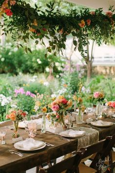 Love how the greenery hangs over the table! Super romantic! #CedarwoodWeddings #romanticweddings #weddingflowers #weddingtables