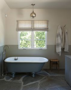 Amanda Pays and Corbin Bernsen's LA bathroom | Remodelista