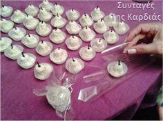 Τα αμυγδαλωτά που έφτιαξα για να προσφέρω στον γάμο του γιου μου του μονογενούς!! Εκτός από τα αμυγδαλωτά, η μάμα η Γκρέκα πρόσφερε επίσης... Greek Sweets, Greek Desserts, Greek Recipes, Easy Desserts, Coconut Flour Cookies, The Kitchen Food Network, Wedding Sweets, Wedding Decor, Christmas Sweets