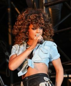 Rihanna Curly Hairstyle V Festival 2011 - Day 2 Rihanna Curly Hair, Rihanna Hairstyles, Cool Hairstyles, Big Loose Curls, Dream Hair, Protective Styles, Cut And Color, Black Girl Magic, Hair Goals