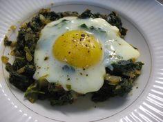 Spinach with Egg, Yumurtali Ispanak   http://turkishcuisine.wordpress.com/category/sebze-yemegi/page/5/