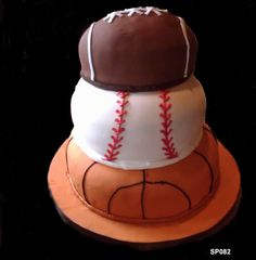 A cake for the ultimate sports fan! #3brothersbakery #houstonbakery #fathersday