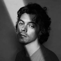 Harry Styles on. Harry Styles Fotos, Harry Styles Mode, Harry Styles Pictures, Harry Edward Styles, Harry Styles Photoshoot, Collateral Beauty, Harry 1d, Harry Styles Wallpaper, Mr Style