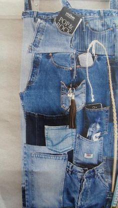 Fun idea for using old jeans Reuse Jeans, Diy Jeans, Jean Organization, Jean Crafts, Diy Crafts, Denim Art, Patchwork Jeans, Recycled Denim, Girls Jeans