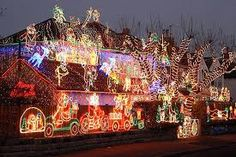 Amazing And Unique Outdoor Christmas Decorating Ideas For Christmas Night home trends design photos, home design picture at Home Design and Home Interior Christmas House Lights, Christmas Light Displays, Tacky Christmas, Xmas Lights, Christmas Night, Holiday Lights, Christmas Design, Christmas Stuff, Christmas Scenery