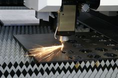 @VQLcustomlight are able to cut materials faster and with a better edge quality than they were able to on their waterjet. w/ @MazakCorp http://www.shopfloorlasers.com/laser-cutting/co2/306-the-art-of-manufacturing