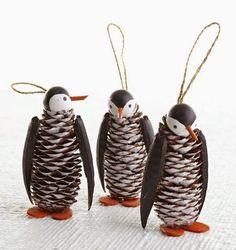 100+ διακοσμήσεις και διακοσμητικά απο κουκουνάρια! | Φτιάξτο μόνος σου - Κατασκευές DIY - Do it yourself Wooden Christmas Ornaments, Christmas Crafts For Kids, Homemade Christmas, Christmas Projects, Christmas Fun, Holiday Crafts, Penguin Ornaments, Ornaments Ideas, Pine Cone Christmas Decorations
