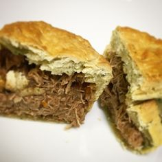 This rich game pie recipe is perfect for meat lovers! Use whatever game meat is seasonal/the best available locally to you. (I've used rabbit for the pies in the picture) Venison Pie, Venison Recipes, Chef Recipes, Dinner Recipes, Chef Jobs, Vegetable Puree, Mini Pies, Best Chef, Professional Chef