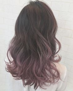 Hair Streaks, Ombre Hair, Cut And Color, Hair Inspo, Updo, Pretty People, Dyed Hair, Makeup Tips, Highlights