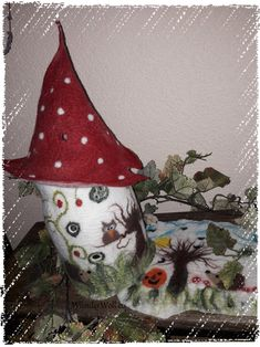 Märchenlampe, Herbstlampe, gefilzte Lampe, Wichtellampe, Filzen, Merinowolle Felt Ornaments, Christmas Ornaments, Holiday Decor, Home Decor, Felt Mobile, Felting, Autumn, Crafting, Needle Felted Ornaments