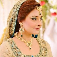 Indian bridal hairstyle for wedding