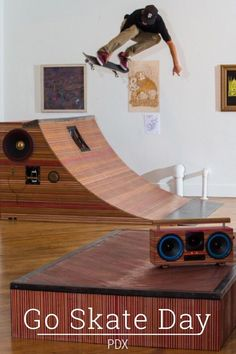 Go Skate Day PDX MapleXO & Case of Bass invited me to Portland, Oregon in 2014 to create a stop motion animation of their quarter pipe BoomBox made from recycled skateboards. The collaboration would later be auctioned off during Go Skate PDX to benefit local