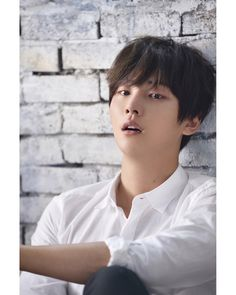 Happy birthday to the singer-songwriter Shin Hye Sung (born: Jung Pil Kyo). Main vocalist for Shinhwa (Myth/Legend). * He's solo under Liveworks Company. Korean Celebrities, Korean Actors, Korean Men, Shin Hye Sung, Yoon Shi Yoon, Jung In, Handsome Asian Men, Korean Drama Movies, Korean Dramas
