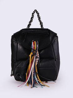 fdb992bcab4d 23 Best Handbags images in 2019