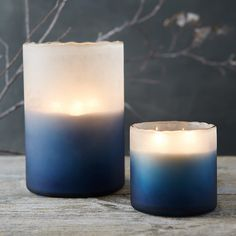 This fresh winter candle blends the scents of spruce and mint with hints of cranberries and cinnamon. Combining natural soy wax, lead-free cotton wick