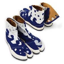 Japanese #jika-tabi, split toe #shoes in blue and white