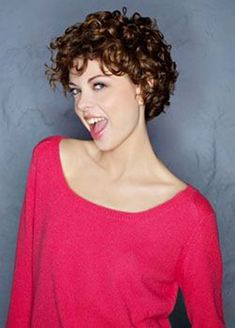 Cute Short Curly Haircuts 2018 You are in the right place about curly hair cuts guys Here we offer y Curly Hair Cuts, Wavy Hair, Short Hair Cuts, Curly Hair Styles, Fine Hair, Short Curly Hairstyles For Women, Permed Hairstyles, Girl Hairstyles, Wedding Hairstyles