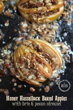 Honey Hasselback Baked Apples with Brie & Pecan Streusel @FoodBlogs