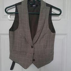 Vest Super cute Tops Button Down Shirts